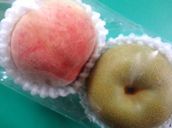 7.15-桃と梨-680円*28-298.4.jpg
